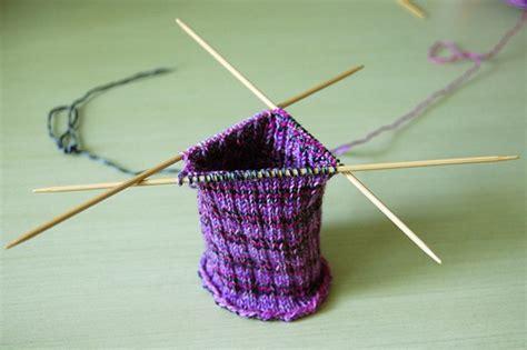 best knitting needles for beginners beginner s guide to knitting needles image 3