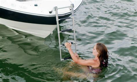 bowrider boat ladder research 2011 bayliner boats 235 br on iboats