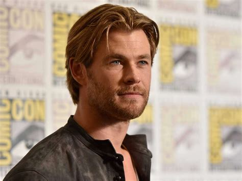movie actor hollywood chris hemsworth sexy jacket hollywood hot sexiest actor
