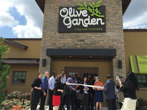 Olive Garden Kirby by Olive Garden Ribbon Cutting Ceremony New Design New Logo