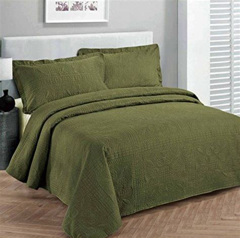 Green Bed Linen Sets 25 Best Ideas About Olive Green Rooms On Olive Green Paints Olive Green Decor And