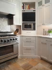 Shelves Above Kitchen Cabinets 30 Corner Drawers And Storage Solutions For The Modern Kitchen