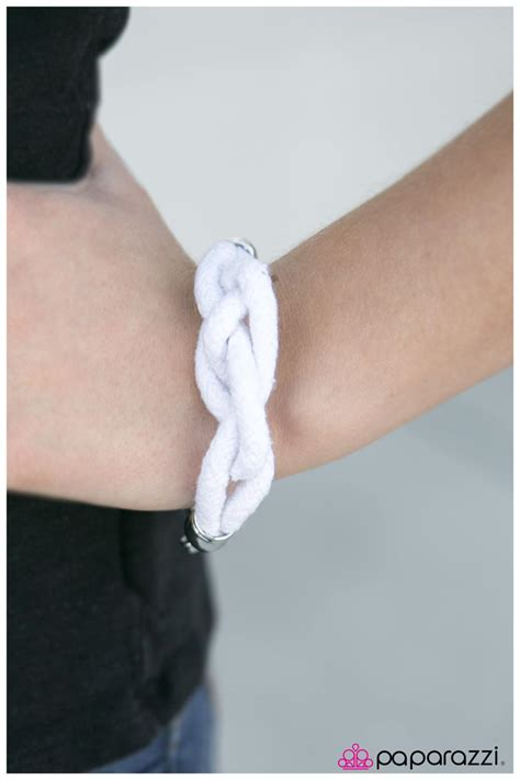 Paparazzi Accessories: KNOT tical Style   White