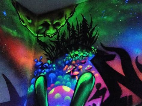 Black Light Paint For Walls by Black Light Paint For Walls Www Imgkid The Image