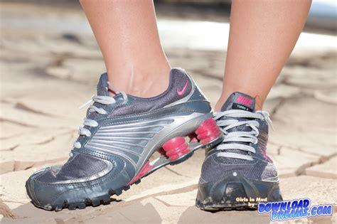 nike mud run shoes his and nike shox