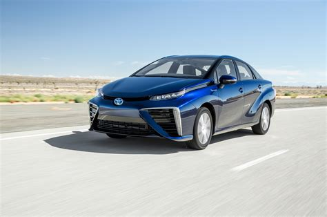 motor cars toyota toyota mirai 2016 motor trend car of the year finalist