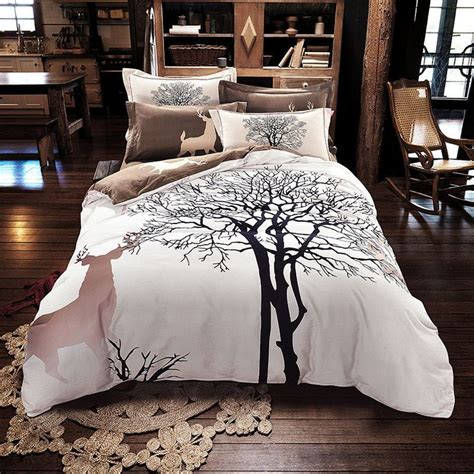 Deere Comforter Set by 1000 Ideas About Tree Bed On Tree House