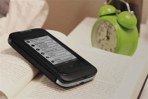 e ink android inkcase plus an e ink screen for android phones gadgetsin
