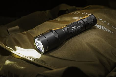Best Edc Light by 5 Best Edc Flashlights Of 2017 Brains And Brawn