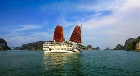 hanoi junk boat cruise halong bay overnight junk boat cruise from hanoi