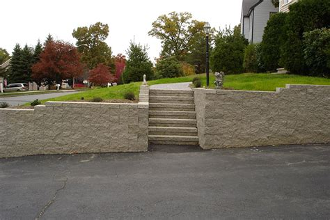 retaining wall material natural stone concrete blocks
