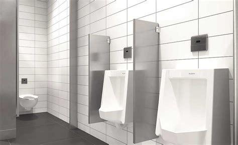 flushometer  toilet performance  hand  hand