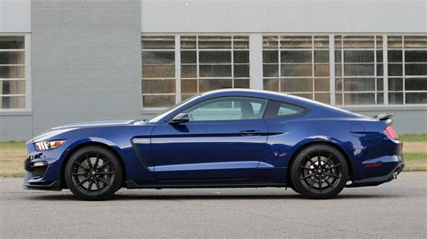 ford lawsuit 2016 2016 shelby gt350 owners file class lawsuit against