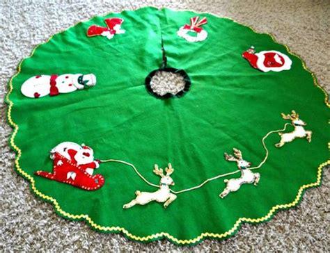 handmade green felt christmas tree skirt large 1960s