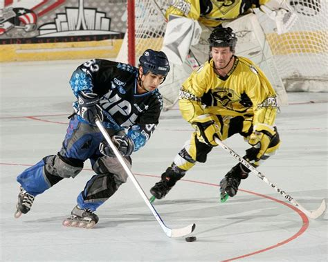 Kaos Anime Canada Knows Hockey how to take a backhand in roller hockey isport