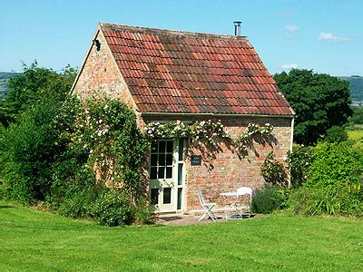 Sommerset Cottage by Rural Self Catering Property For 2