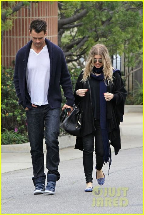 Fergie And Church Show How Its Done Hollyscoop by Fergie Josh Duhamel St S Day Church Visit