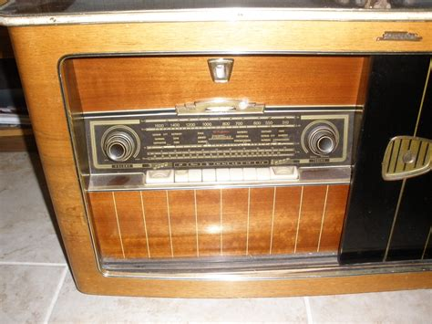 This Guys Old Radio Cabinet Just Stopped Working So He The Cabinet Radio