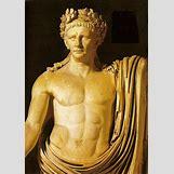 Claudius As Jupiter   1126 x 1600 gif 1248kB