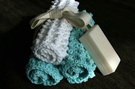 using a wash cloth as a bath mat 31 best bath mats images on free knitting