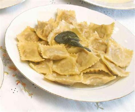 cappellacci di zucca mantovani tortelli di zucca piatto tipico bild fr 229 n