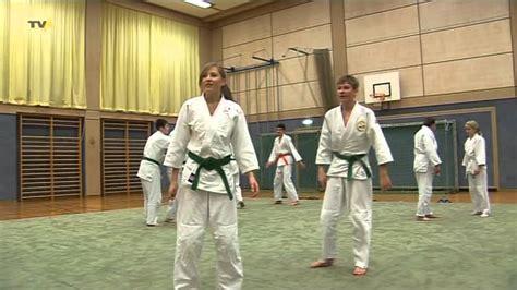Der Weg Ist Das Ziel Die Friedliche Kampfkunst Aikido Aus