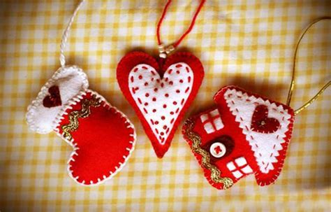 home made christmas decorations 22 felt christmas crafts homemade christmas tree decorations