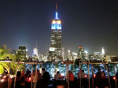 roof top bars in nyc 230 fifth el mejor rooftop bar en manhattan spanish in