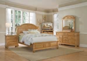 Light Wood Bedroom Set Affordable Light Wood King Bedroom Sets Rooms To Go