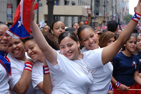 Puerto Rican People   puerto ricans chicago new york america pocketcultures