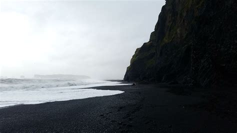 black sand beach iceland reynisfjara s black sand beach iceland oc 3938 215 2212