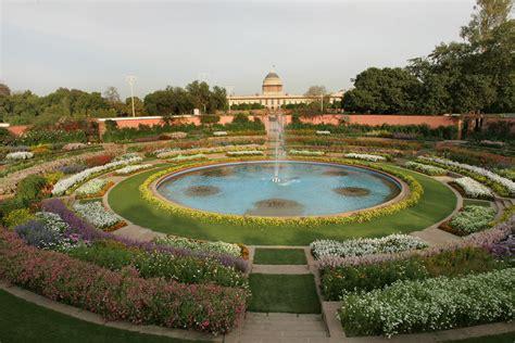 circular garden rashtrapati bhavan