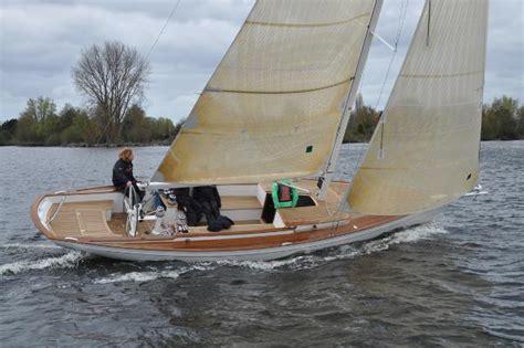 sailboatdatacom essence  sailboat
