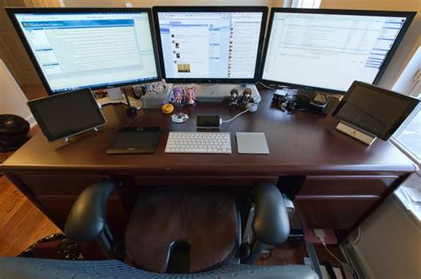 Desk For Dual Monitor Setup Here Are Some Awesome Mac Setups Now Show Us Yours Gallery Cult Of Mac