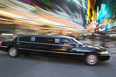 i need a limo how much to rent a limo for prom limo rental talklocal