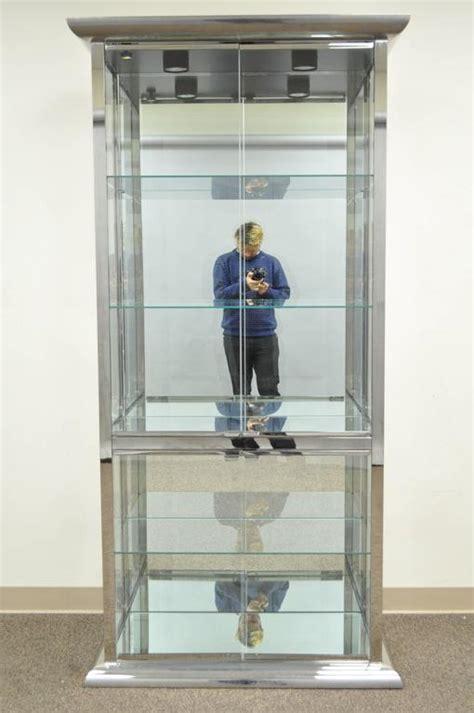 Design Institute of America DIA Chrome and Mirror Curio