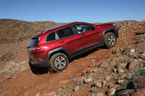 jeep trailhawk 2014 2014 jeep cherokee trailhawk review off road caradvice