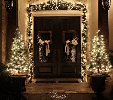 Christmas Porch And Front Door Garland Diy Hometalk Front Door Hanging Decorations