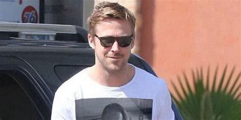 Mc Inception 1 Tshirtkaosraglananak Oceanseven the inception continues as gosling wears a photo of macaulay culkin wearing a photo of