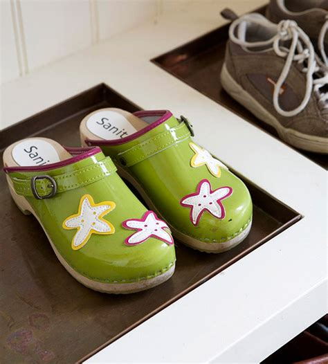8 creative diy entry shoes storage solutions shelterness picture of shoe spots in tile inserts