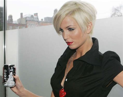 colleen christy chopped hairstyle 180 best short hair images on pinterest pixie cuts hair