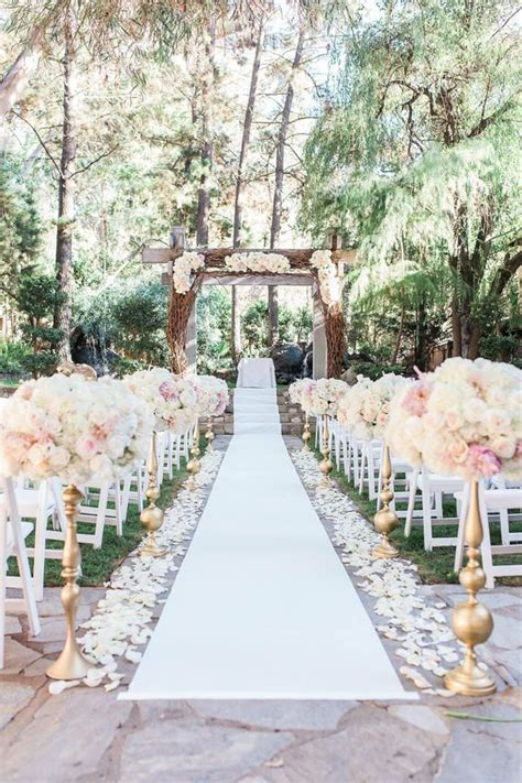 Outdoor Wedding Ceremony Decorations by 25 Best Ideas About Outdoor Wedding Ceremonies On