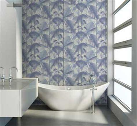 Bien Salle De Bain Ultra Moderne #6: papier-peint-salle-de-bain-design-motif-bleu-au-fil-des-couleurs.jpg