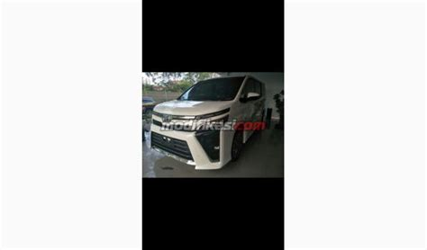 Karpet Dasar Toyota Voxy 2018 toyota all new voxy ready stok