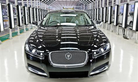jaguar car india locally built jaguar xf launched in india at 44 5 lakhs