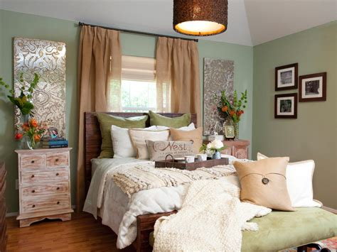 bedrooms with green walls bedroom with mint green walls hgtv