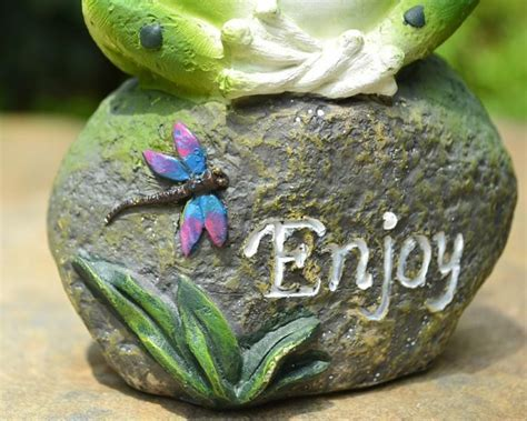 3Pcs Lovely Resin Frog Sitting On Stone Statue Figurine