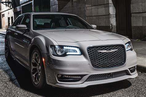 2018 Chrysler 300: New Car Review   Autotrader