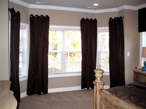 tips for curtains 3 tips for selecting bay window curtain rods holoduke com