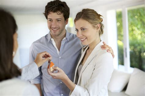 buying a house what to look for things every couple should consider before buying a house